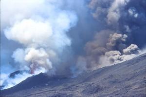 eruption ETNA panaches gris