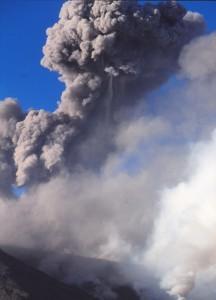 ETNA eruption panaches gris