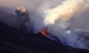 ETNA eruption cone+fontaine de lav