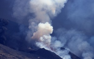 ETNA eruption cone +panaches