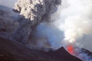 ETNA eruption +fontaine de lave