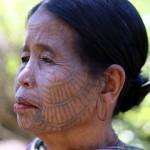 femme CHIN tatouée 2
