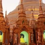 pagode SHWEDAGON au soleil couchant