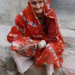 vieille dame à Narlai