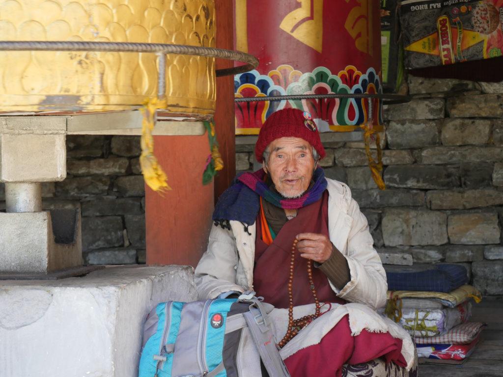 homme au sanctuaire THYMPHU